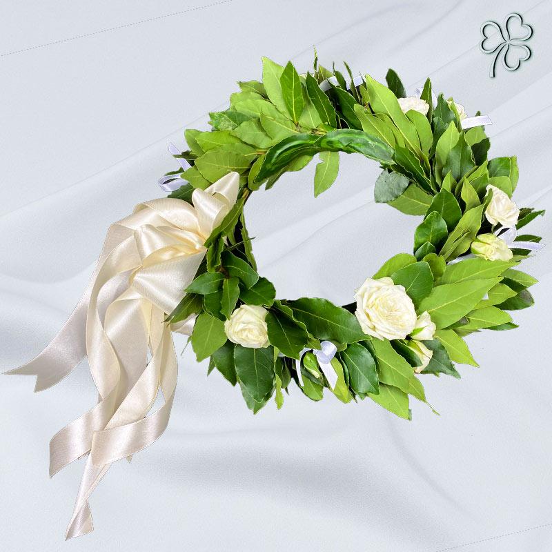 Corona di laurea con fiori bianchi - Facoltà di Lettere