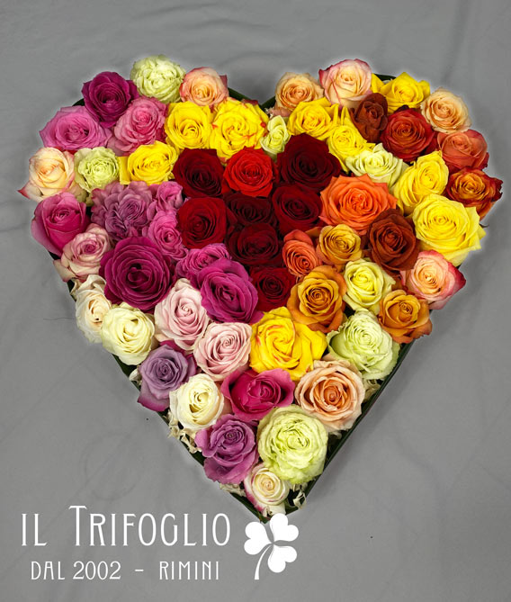 Cuore di San Valentino con rose multicolor